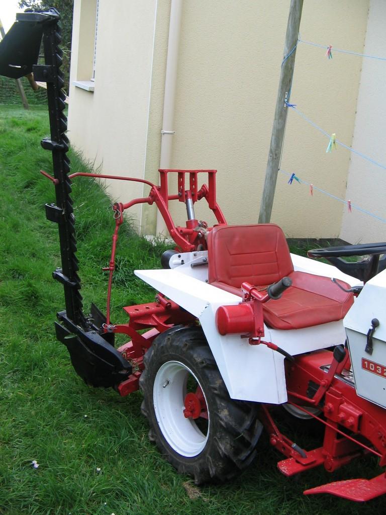 micro tracteur 1032 avec barre de coupe. Black Bedroom Furniture Sets. Home Design Ideas