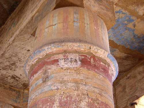 , une construction de Touthmosis III qui est un temple à elle seule