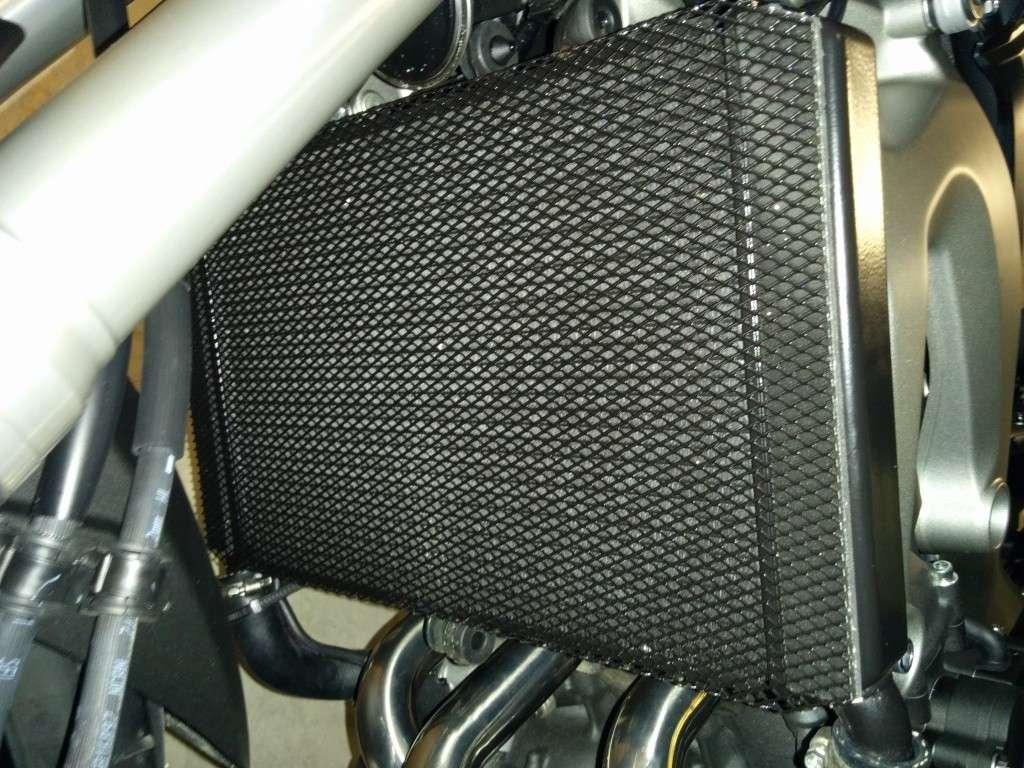 Protection radiateur pour moins de 15 euros for Cache tuyau radiateur