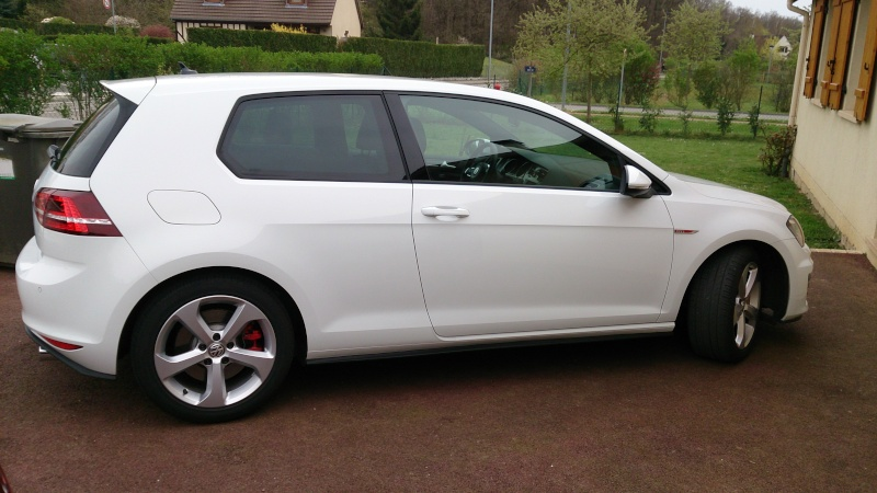 Giome golf 7 gti performance bvm6 blanc pur for Volkswagen cannes garage