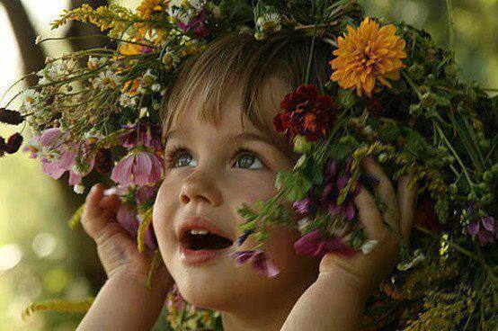 enfant fleurs
