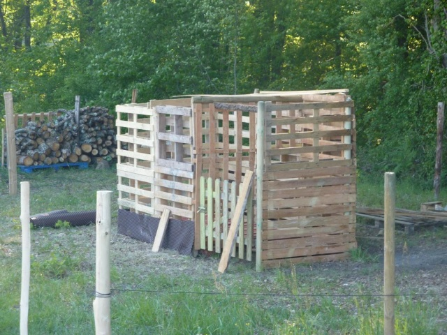 cloture d 39 un terrain 1ha. Black Bedroom Furniture Sets. Home Design Ideas