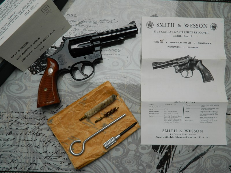 régler une hausse de revolver