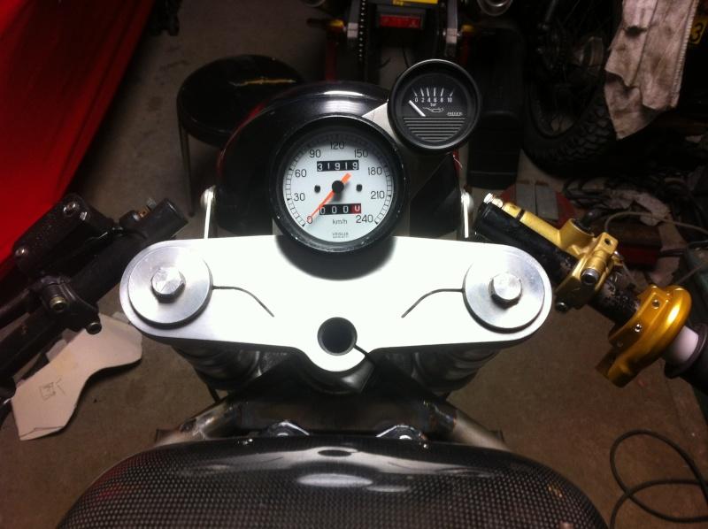 Ajout Compteur Essence Moto Cafe Racer