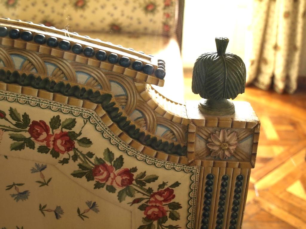 la visite du petit trianon la chambre de la reine. Black Bedroom Furniture Sets. Home Design Ideas