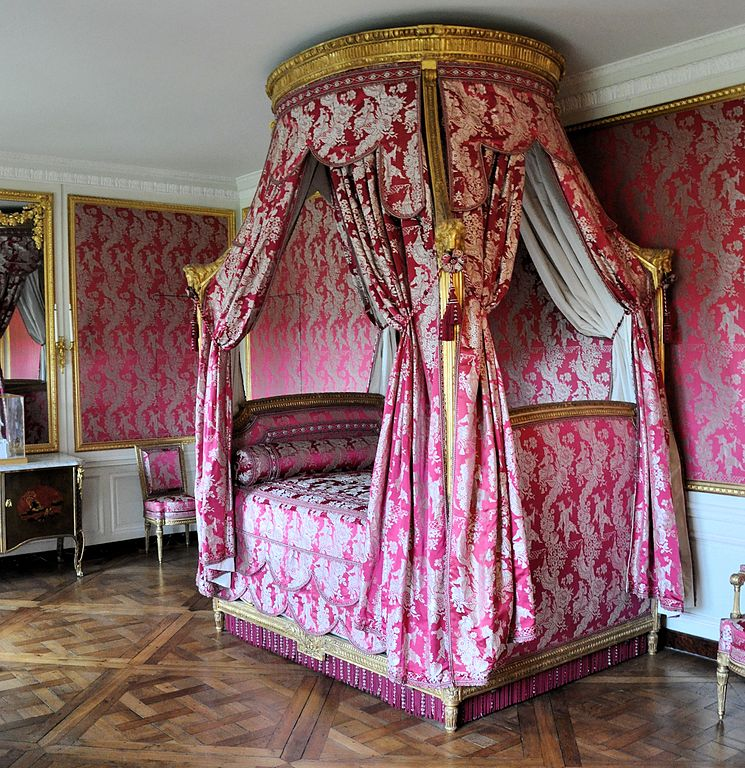 la visite du petit trianon la chambre louis xv. Black Bedroom Furniture Sets. Home Design Ideas