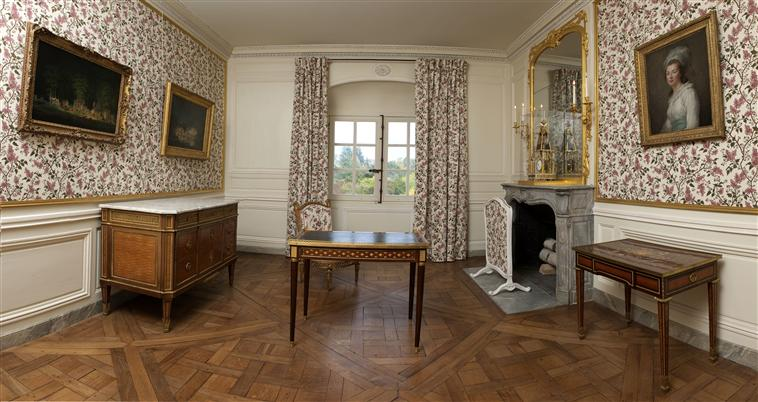 visite petit trianon petit salon de mme elisabeth. Black Bedroom Furniture Sets. Home Design Ideas