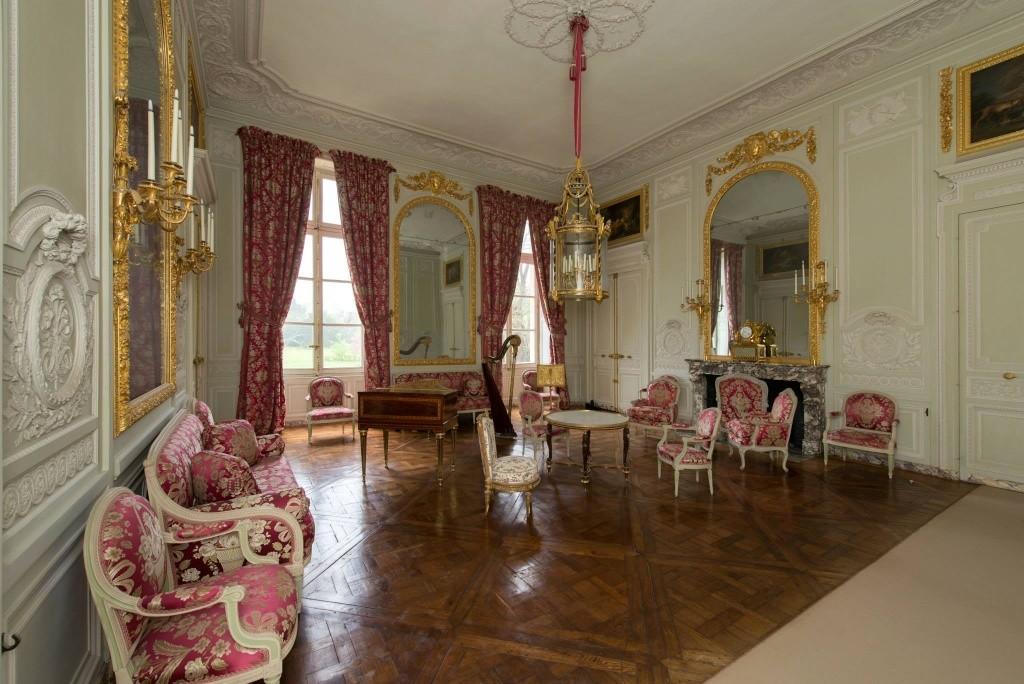 La visite du petit trianon le salon de compagnie page 2 for Trianon plan salle