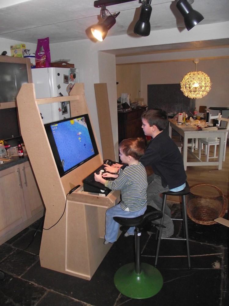 borne arcade ecran plat