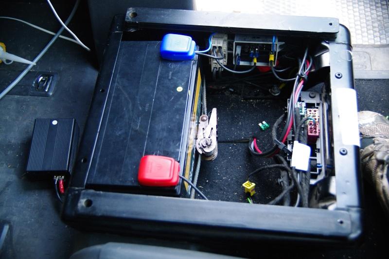 wwwtraficamenagecomforum voir le sujet batterie auxiliaire. Black Bedroom Furniture Sets. Home Design Ideas