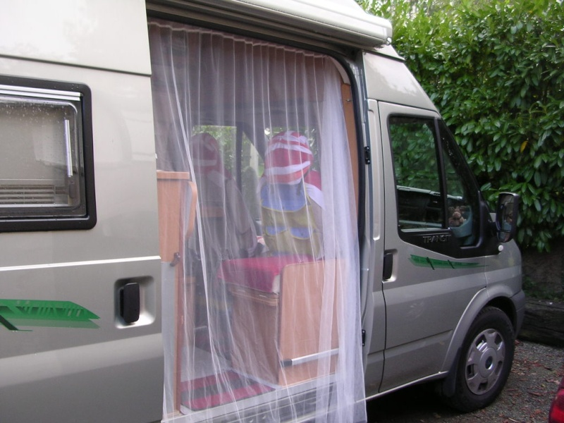 moustiquaire ou rideau sur porte lat rale de fiat ducato. Black Bedroom Furniture Sets. Home Design Ideas