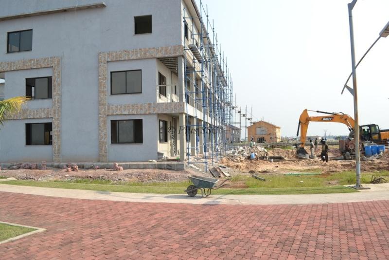 La cit moderne autour de l 39 echangeur de limete for Construire une maison a kinshasa